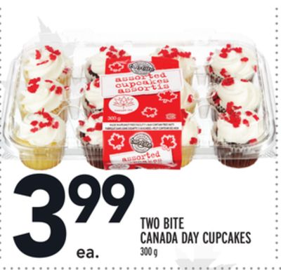 TWO BITE CANADA DAY CUPCAKES