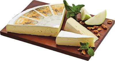 L'EXTRA BRIE OR DOUBLE CRÈME BRIE CHEESE