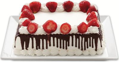 STRAWBERRIES 'N CREME CAKE
