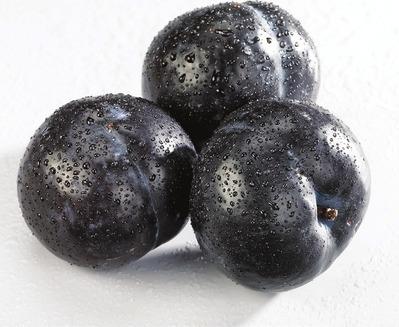 ORGANIC BLACK PLUMS