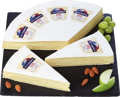 ÎLE DE FRANCE BRIE 21.95/KG OR L'EXTRA BRIE CHEESE