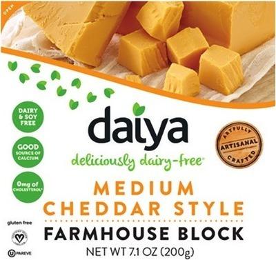 DAIYA CHEESE STYLE BLOCKS 200 g CHEESE STYLE SLICES 220 g