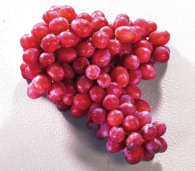 EXTRA LARGE RED OR BLACK SEEDLESS GRAPES