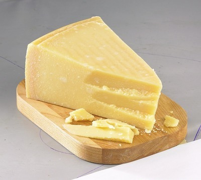 IRRESISTIBLES GRANA PADANO RISERVA CHEESE AGED 20 MONTHS