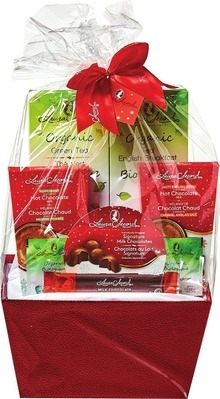 LAURA SECORD GIFT BASKET OR DELUXE FRUIT CANDY